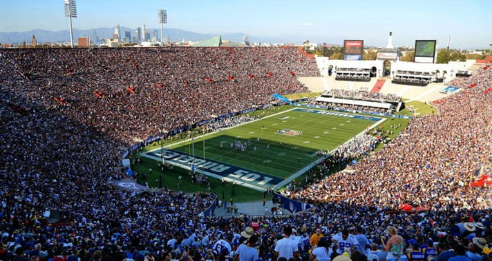 L.A. Coliseum on Game Day | Photo courtesy of Los Angeles Rams, Facebook